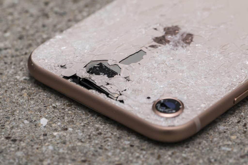 Iphone batter expanding braking case